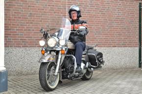 """De film Easy Rider was een bron van inspiratie voor Derk Klemkerk om eens op een Harley te stappen. Zijn eerste """"fiets"""" was een zogenaamde Hard Tail. Easy Rider is een film uit 1969 van Dennis Hopper met in de hoofdrollen Dennis Hopper, Peter Fonda, Jack Nicholson en Karen Black. De film is gebaseerd op een origineel scenario van Hopper en Fonda en heeft een grote cultstatus."""