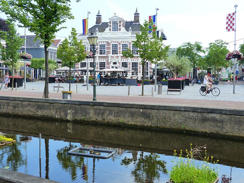 Heerlijk Heerenveen: Aanleggen in het centrum en dan naar grand-café restaurant 't Gerecht van Geert Bosman, Meest Markante Horecaondernemer 2016/2017 in Friesland.