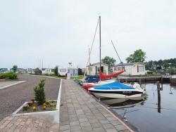 De Merenpoort heeft ook een camping met 40 plekken en twee havens voor 110 boten.