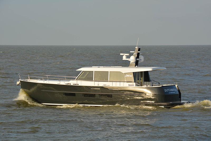 Deze Dutchman staat nu in hal 17 op Boot Düsseldorf (www.boot.de). De boot is nog maar net klaar. De interieurfoto's worden tijdens de bootshow gemaakt.