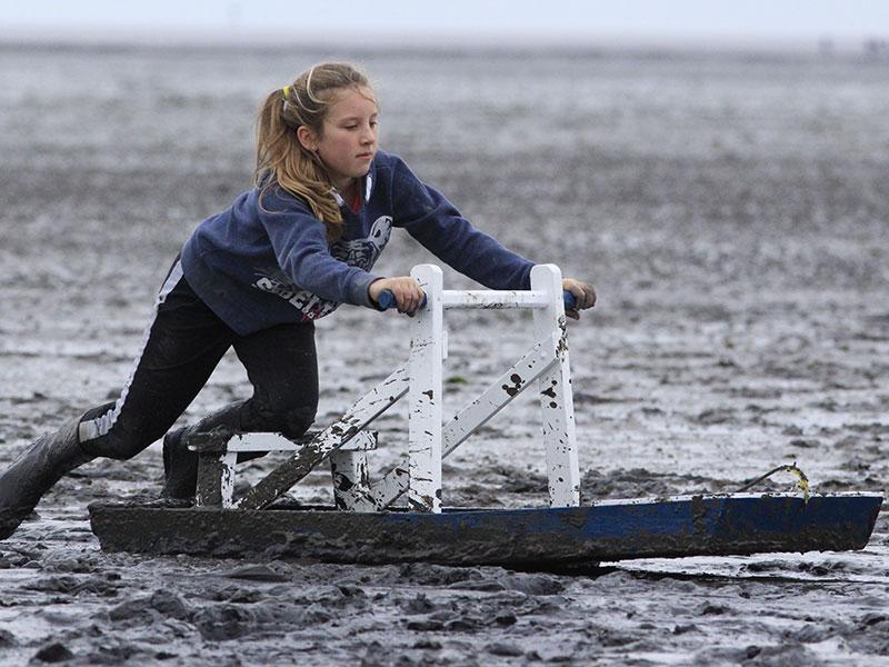 Een toeriste, een jong meisje, Merel, won bij de jeugd.
