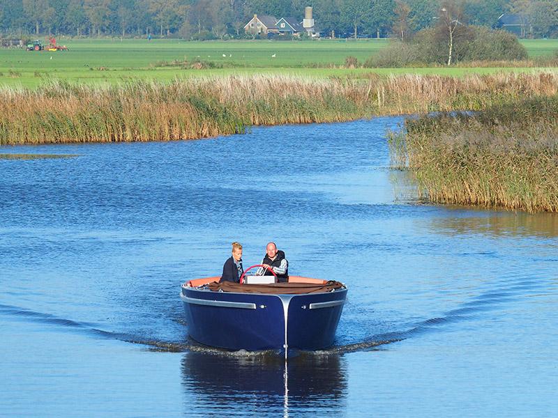 Friesland is koploper wat het stimuleren van het elektrisch varen en aanleggen van electric only-vaarroutes in natuurrijke plattelandsregio's betreft.