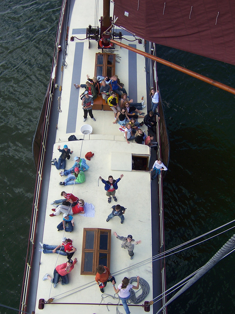 Aan boord van de Stella Frisia.