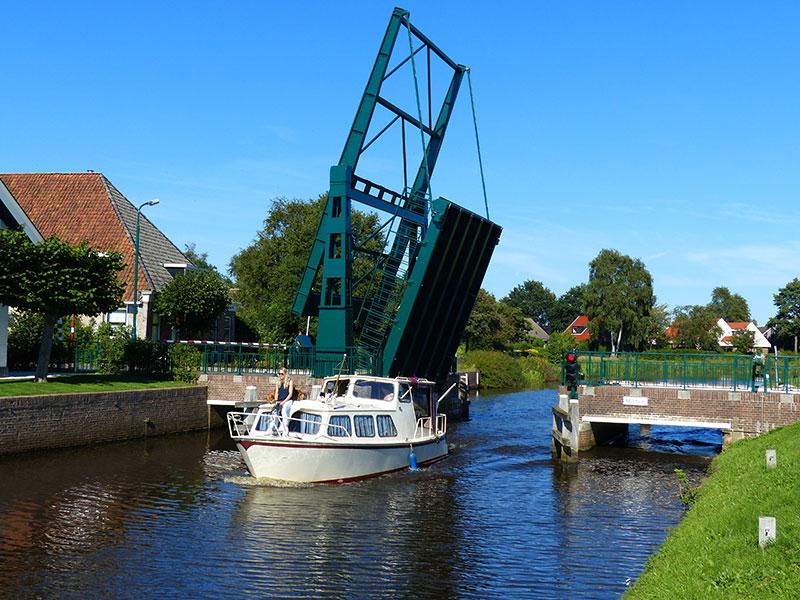 Turfroute bij Mildam. Fotografie: Jana Hendriks, Friesland Holland Nieuwsdienst.