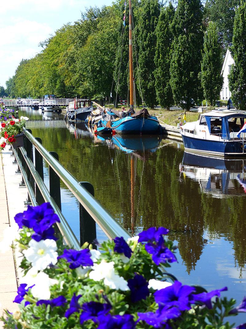 Turfroute: winkelen in Oosterwolde. Fotografie: Jana Hendriks, Friesland Holland Nieuwsdienst.