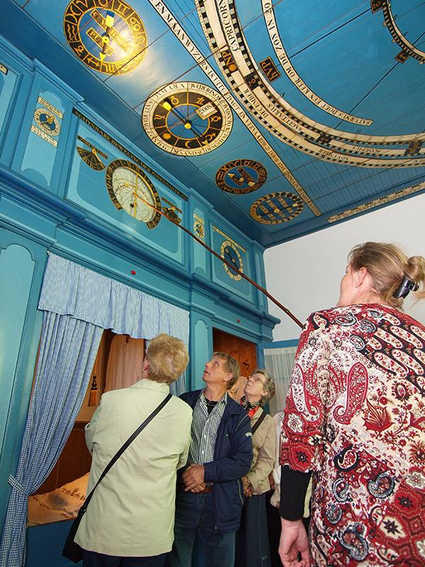 De woonkamer van Eise Eisinga wordt in de meest originele staat teruggebracht.
