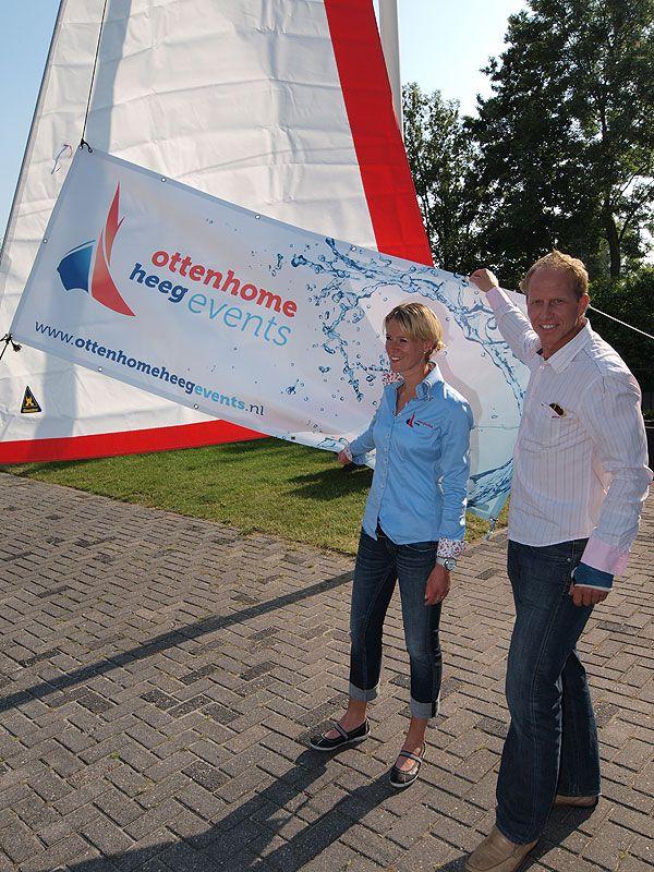 En hier draaide het 23 juni 2010 om: de start van Ottenhome Heeg Events, een besloten vennootschap van watersportbedrijf Ottenhome Heeg die zich bekwaamt in bedrijfsuitjes op het water zonder kater.