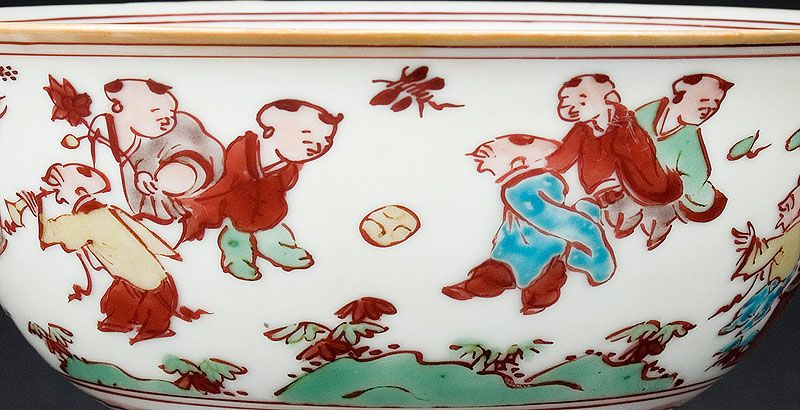 Voetballers mét vuvuzela op 16de eeuws Chinees porselein...