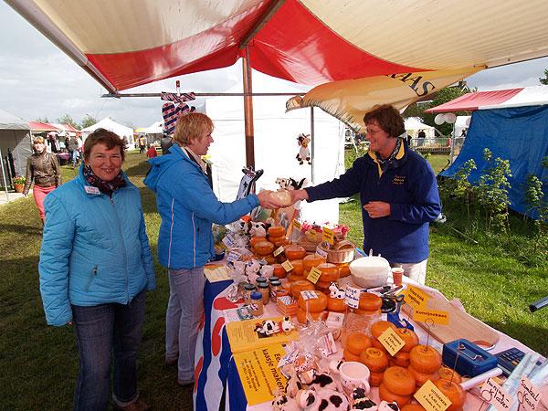 Een schildercursus in de ligboxenstal of deelnemen aan de tweejaarlijkse countryfair, het kan allemaal in Delfstrahuizen bij de familie Holtrop.