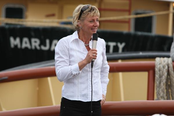 Hilda Boesjes-Beljon aan boord van de Zeesleepboot Holland (foto T. Schoonhoof St. Zeesleepboot Holland).