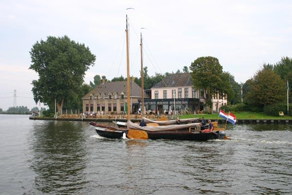 Hotel Landgoed De Oude Schouw aan het Prinses Margrietkanaal in Akkrum is volgens Zoover geen aanrader.