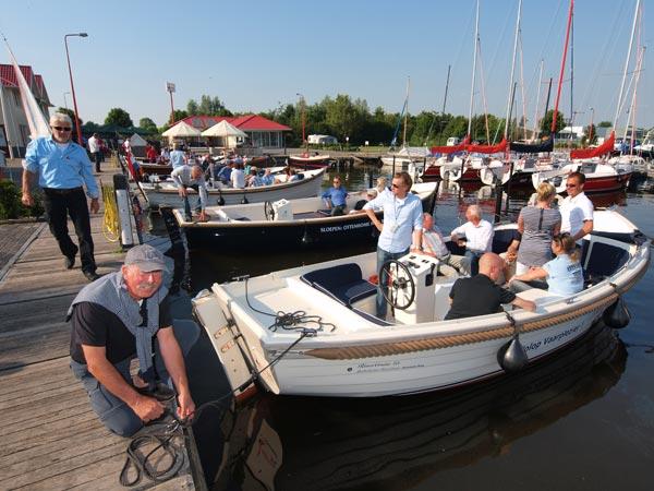 Zaterdag 16 en zondag 17 april kan men gratis kennismaken met de watersport tijdens de Frisian Boat Show in de eventshaven van Ottenhome Heeg. Ook Citroën en Gazelle zijn van de partij.