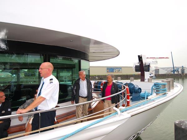 Wie klachten of complimenten heeft over het welzijn aan boord van het 5-sterren riviercruiseschip Excellence Royal kan ze kwijt bij quality manager Johnny van Velzen. De gast moet hooguit 110 meter lopen als hij, zoals hier, op het voorschip is.