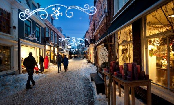De Kleine Kerkstraat in Leeuwarden werd begin 2011 uitgeroepen tot de leukste winkelstraat van Nederland. Dat is de uitslag van een enquête op www.NL.streets.nl