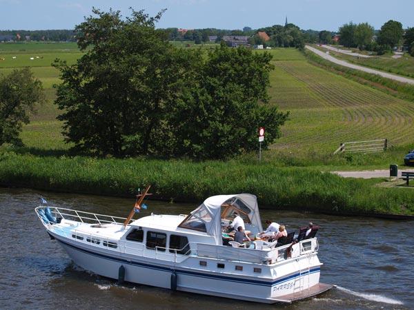 De thuishaven van Adema's kruisers is nu Heerenveen.