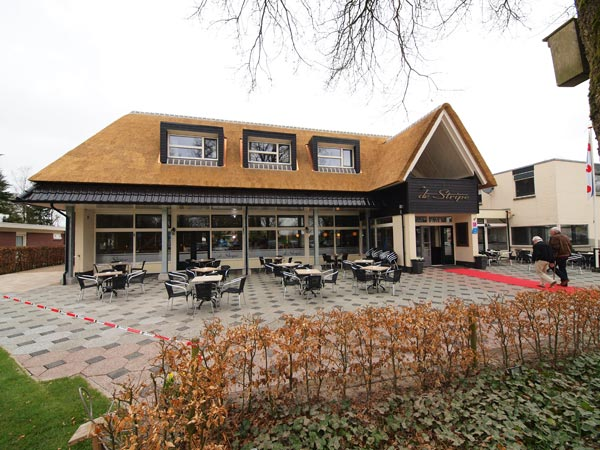 Het 2 april 2012 geopende hotel De Stripe, Duerswâld 23, Wijnjewoude.