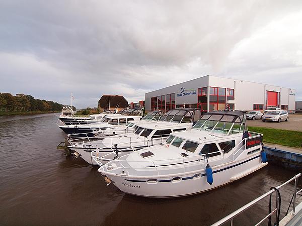 Yacht Charter Urk heeft veel klanten uit Nederland, Duitsland en  Zwitserland, maar ook uit Oost-Europa, onder andere uit Tsjechië. De  onderneming ging in 1998 op Urk van start en is één van de weinige op  het IJsselmeer georiënteerde motorjachtverhuurders.