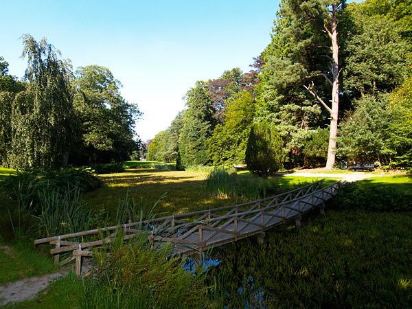 Ook een creatie van de voormalige portretschilder en latere tuinarchitect Roodbaard: de Overtuin tegenover Huize Oranjewoud.