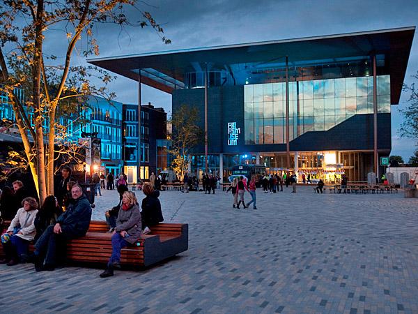 Het nieuwe Fries Museum gaat pas september 2013 open voor het publiek.
