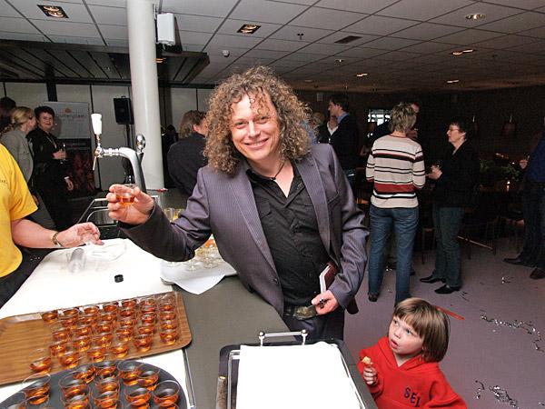 Syb van der Ploeg is naast zanger en Friesland-promotor een begenadigd sportman.