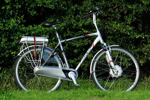 een lichte elektrische fiets