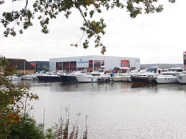 Yacht Charter Urk ging in 1998 op Urk van start als één van de weinige op het IJsselmeer, Friesland en Amsterdam georiënteerde motorjachtverhuurders. De charterbasis op het voormalige Zuiderzee-eiland ligt centraal in een groot en zeer gevarieerd vaargebied.