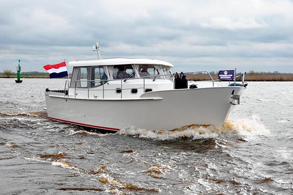 Brandsma Jachten, bouwer van de populaire laaggeprijsde Luna motorboten, gaat weer naar Boot Holland. De beurs kan niet nog eens gemist worden, vinden Joop en Gerard ten Cate. Info: http://www.brandsmajachten.nl/