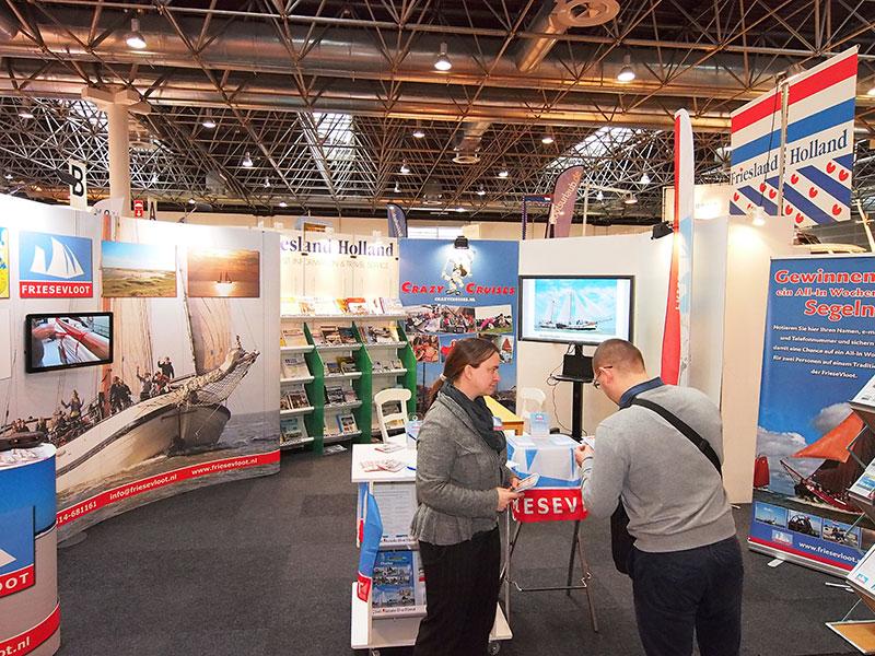 De Friese Vloot, een zeilchartercoöperatie uit Stavoren, draaide in samenwerking met Friesland Holland twee grote beurzen tegelijk: de grote vakantiebeurs CMT in Stuttgart en Boot in Düsseldorf. http://www.friesevloot.nl/nl