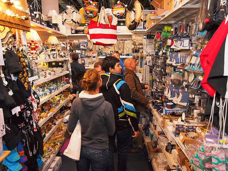 De Nautic Shop van de familie De Boer uit Bakhuizen op Boot Düsseldorf. De familie is ook met een grote uitstalling op Boot Holland (7-12 februari 2014). Info: www.nauticshop.nl