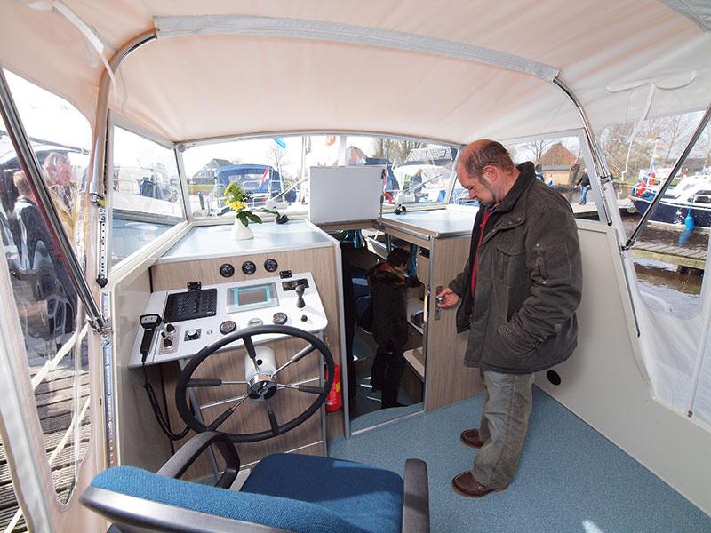 De Doerak 780.NL is een zeer gebruiks- en seniorvriendelijk elektrisch aangedreven motorjacht, gebouwd door Doerak Sneek voor verhuurder Holiday Boatin, ook in Sneek. De Duitse firma Siemens heeft meegedacht.