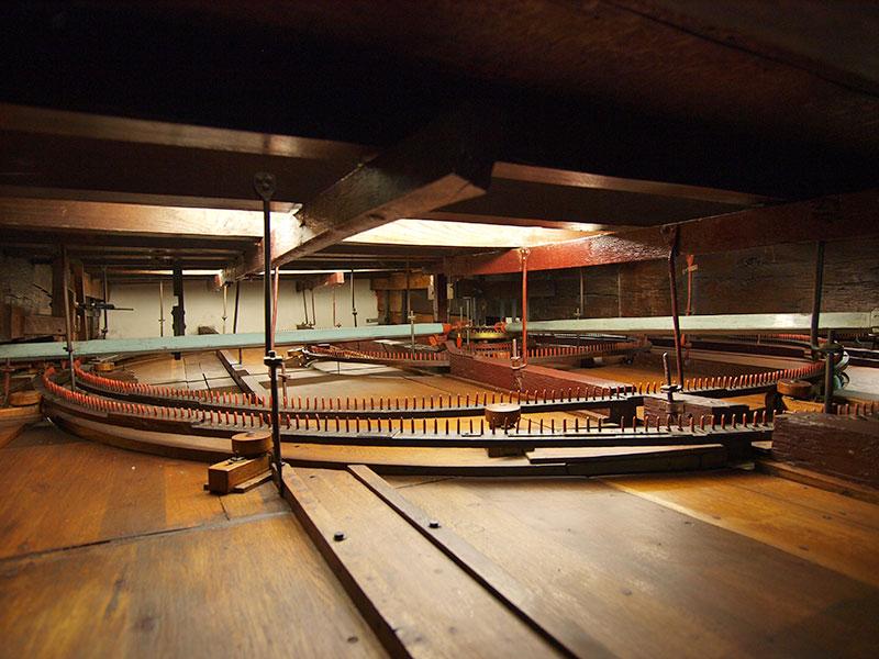 Het Koninlijk Eise Eisinga Planetarium in Franeker (1774-1781) trekt jaarlijks circa 50.000 bezoekers.