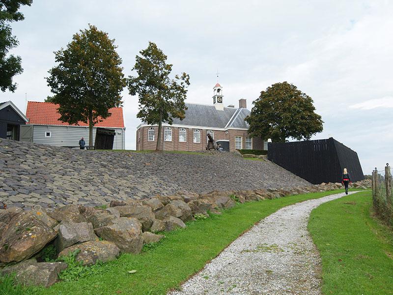 Het bureau voor toerisme van Fryslân, Friesland Holland in Wolvega, heeft UNESCO Werelderfgoed Schokland ook in zijn UNESCO-tour opgenomen.