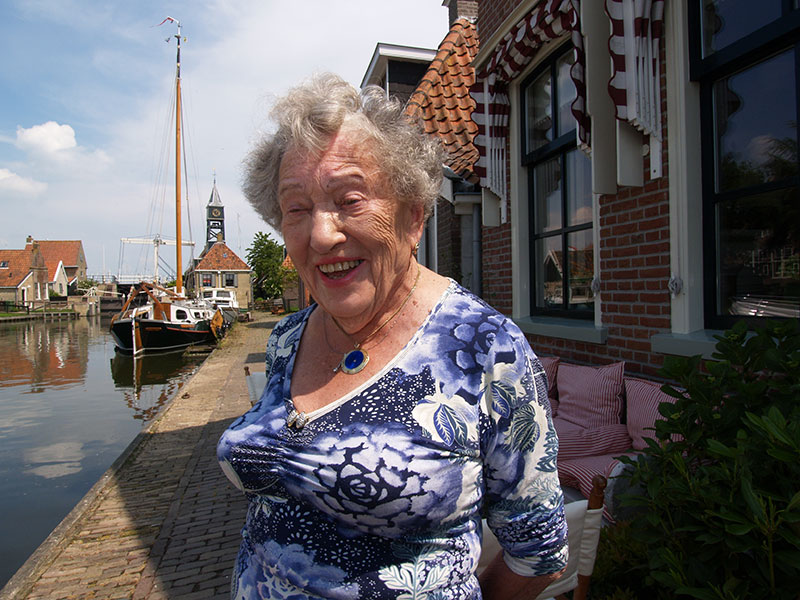 Loek Braakhekke is 104.