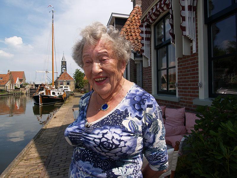 Loek Braakhekke is 104.