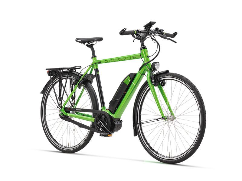 """De meermaals onderscheiden, voor woon-werkverkeer bedoelde Batavus Razer werd in 2014 erkend als Goed Industrieel Ontwerp en werd in dat jaar ook bekroond met de prestigieuze GIO Special Award for Excellence in de categorie originaliteit. De mening van de vakjury: """"De Razer slaat een brug tussen jeugd en elektrische fietsen, tussen de scooter en de fiets, maar ook tussen de bus en fietsen. Er is sprake van een integratie van een voertuig met aandrijving en opslag van de batterij, die mooi geïntegreerd is in het design. Het loopt mooi in elkaar over. Dit is origineel omdat het een nieuwe fase inluidt van elektrische fietsen, waarbij het een volwassen product is geworden dat ook in de segmentatie van de jeugd een plaats heeft."""""""