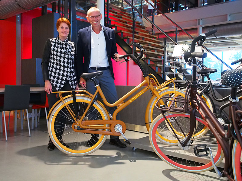 De Quip is hip. Hiermee gaan we flink scoren, zeggen Batavus' marketing-manager Ria Veld en commercieel directeur Menno Visser.