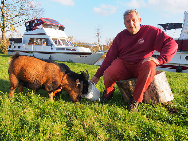 Geiten en boten, Ultsje de Vries heeft ze allemaal lief.