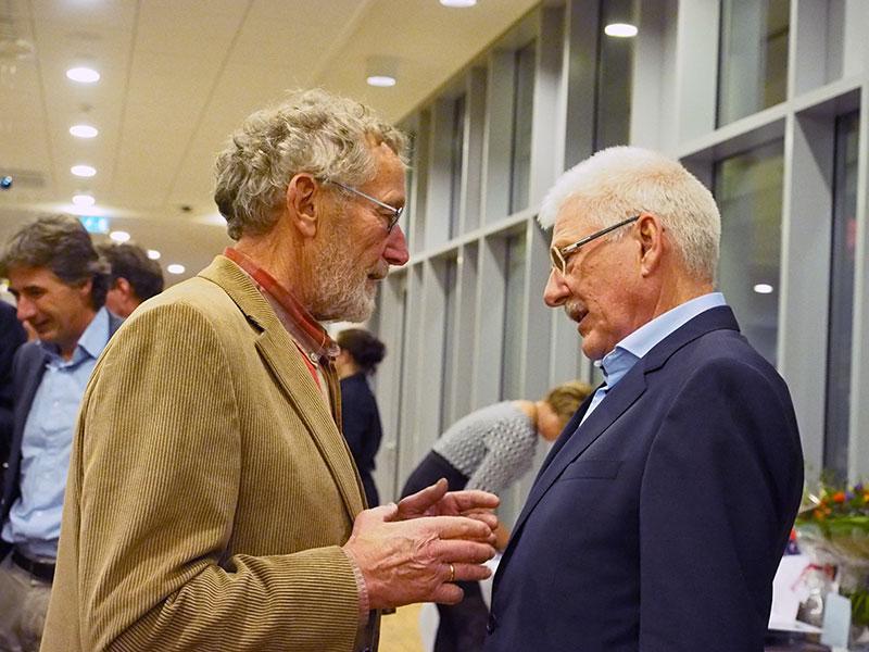 Jack van den Berg (links), oud-baas van ligplaatsengroothandel De Marrekrite, kwam Goos ook de hand drukken in het restaurant van het provinciehuis.