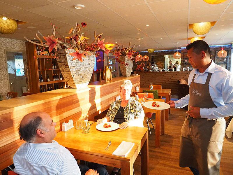 Groningse en egyptenaar realiseren op landtong uniek vakantie en werkeiland toeristisch fries for Lay outs terras van het restaurant