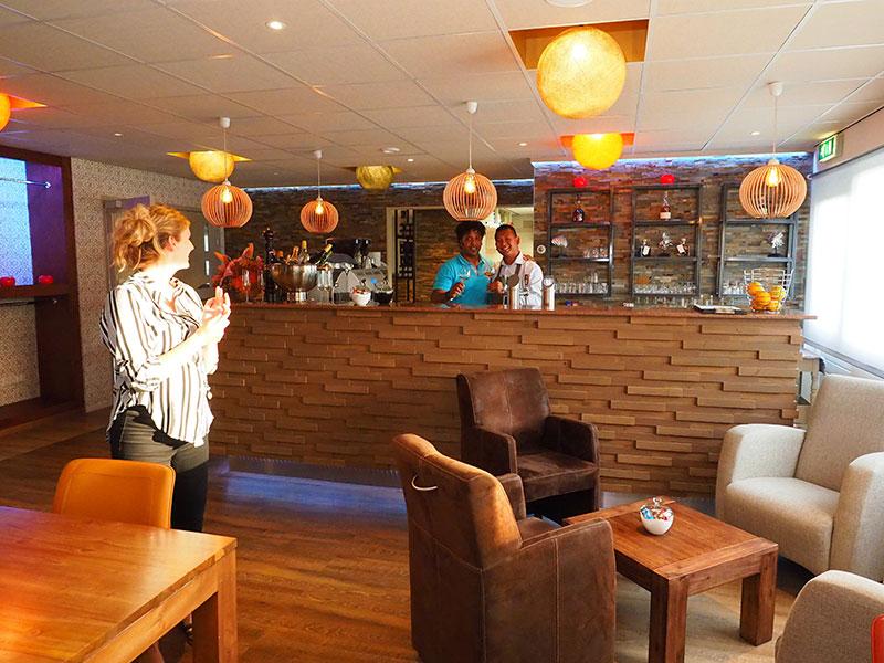 La Terra is het kleurrijke restaurant van De 4 Elementen, net zo kleurrijk als de amuses en gerechten van de koks Erik Dreijer en Dalbéma Wildeboer.